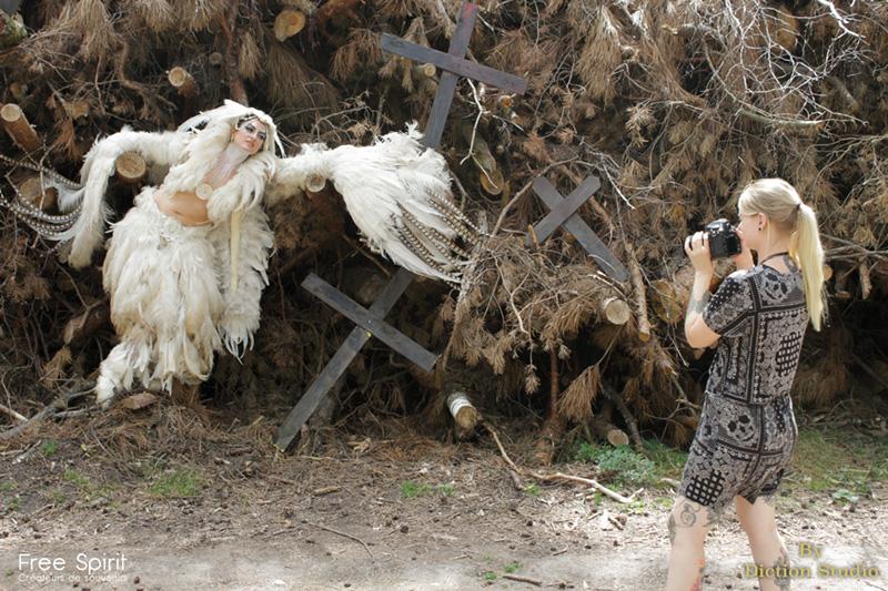 Costume oiseau plumes pour shooting photo et clip danseur