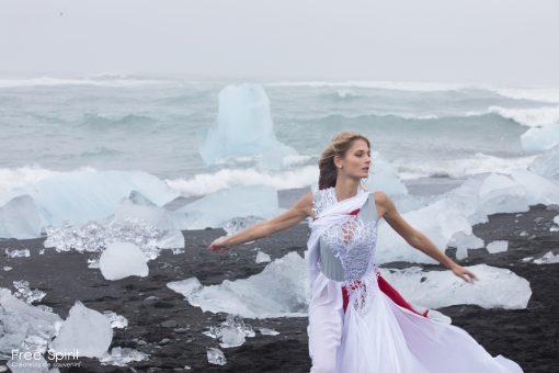 Expérience de voyage en Islande plage de diamants shooting photo tournage clip Free Spirit